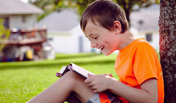 5 Tips to Get or Keep Kids Reading this Summer